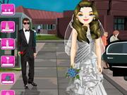 لعبة تلبيس العرائس الحقيقية